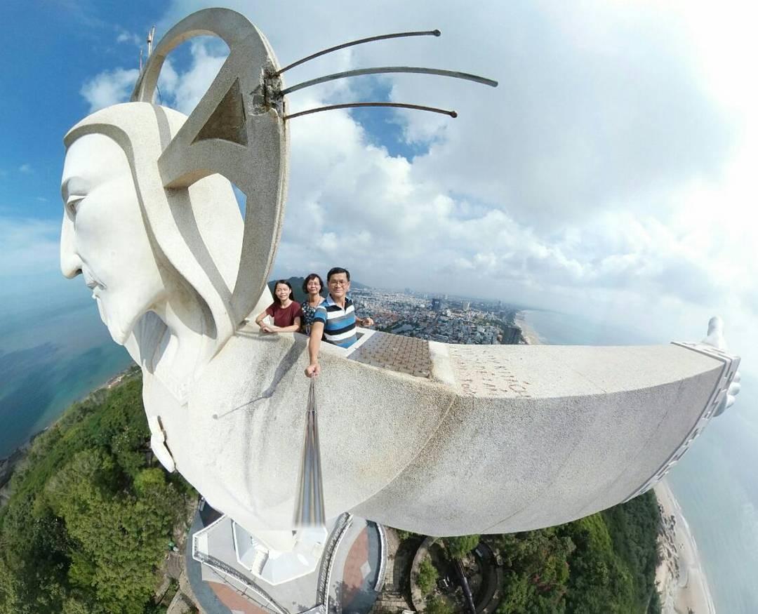 Du lịch Vũng Tàu - Đứng trên tượng chúa Ki Tô bạn có thể ngắm nhìn toàn bộ khung cảnh Vũng Tàu, Ảnh: sưu tầm