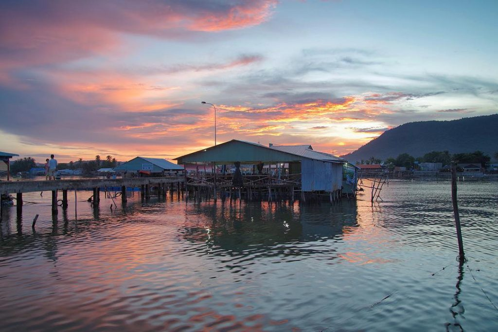 Phu Quoc travel- Ham Ninh Fishing Village in the sunset. By: @Hungvu_21