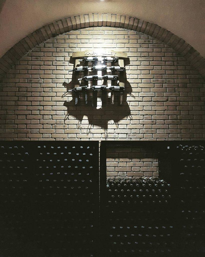Du lịch Phan Thiết- Phan Thiết đi đâu?- Tham quan hầm rượu vang quý giá. Ảnh: @havu1401