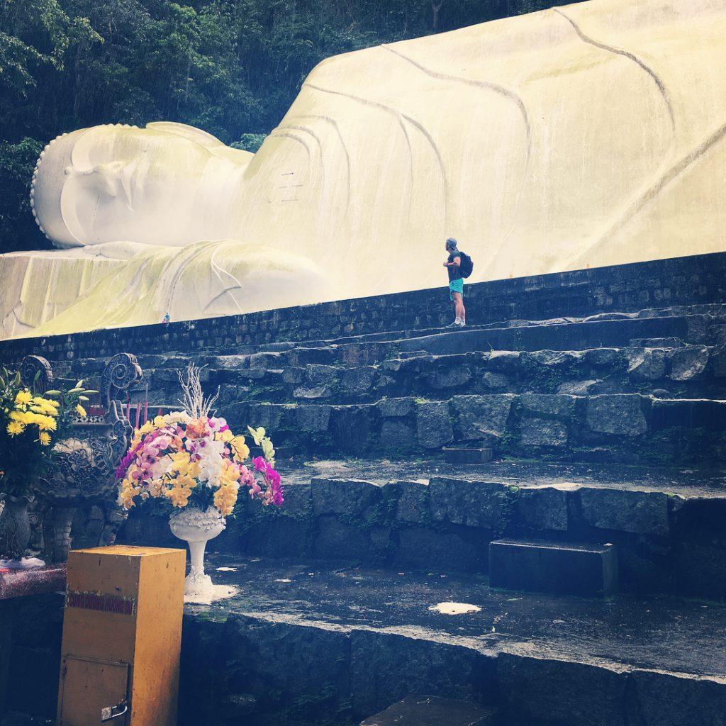 Du lịch Phan Thiết- Phan Thiết đi đâu?- Bức tượng Phật nằm khổng lồ thu hút sự tò mò của khách du lịch. Ảnh: @clemelc
