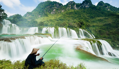 The breathtaking view of Ban Gioc waterfall