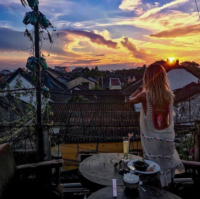 Một góc yên tĩnh ở sân thượng và thưởng thức một ly trà - Ảnh @ericacaballeros