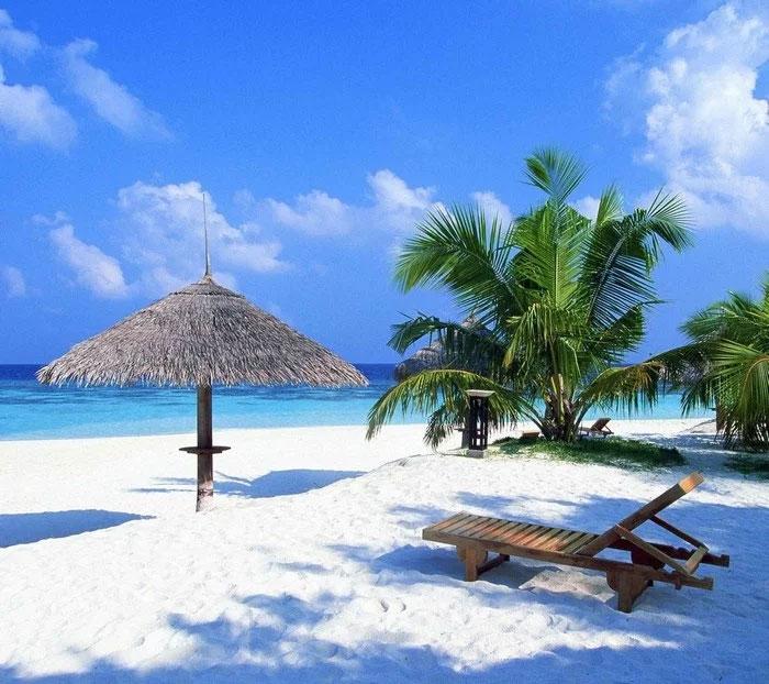 Biển xanh, cát trắng, sóng vỗ nhẹ nhàng, An Bàng sẽ là điểm đến thú vị cho mọi người - ảnh sưu tầm