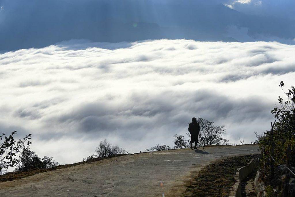 Y Ty- Sapa travel- Con đường qua làng tựa con đường bước đến thế giới khác. Ảnh: @minhfeng