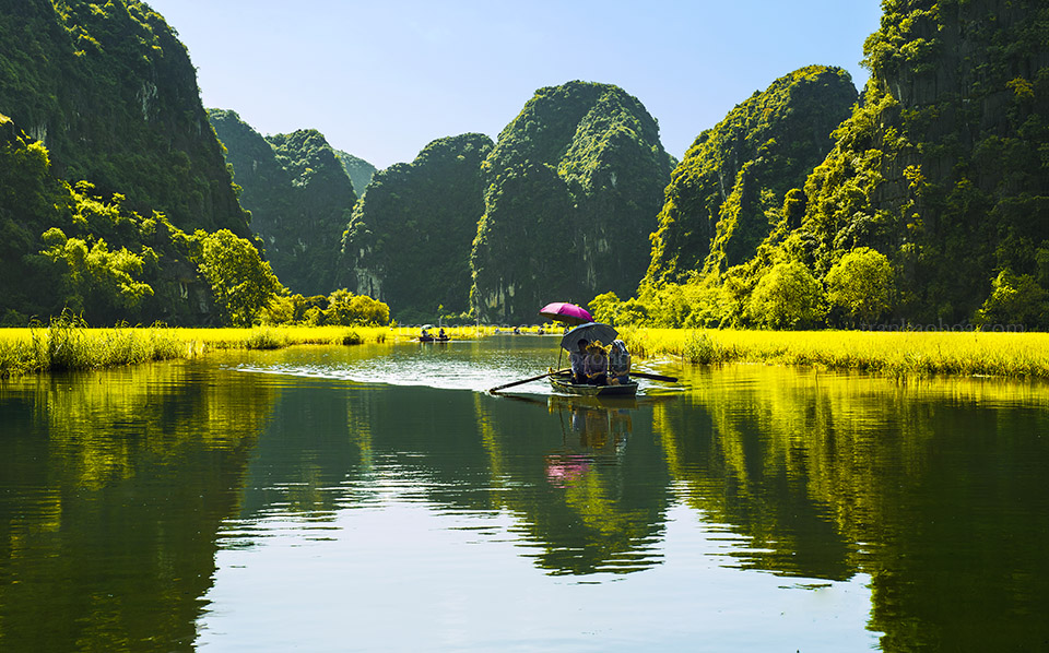Northern Vietnam travel- beautiful places in Northern Vietnam-Van Long National Park. By: Trần Bảo Hòa