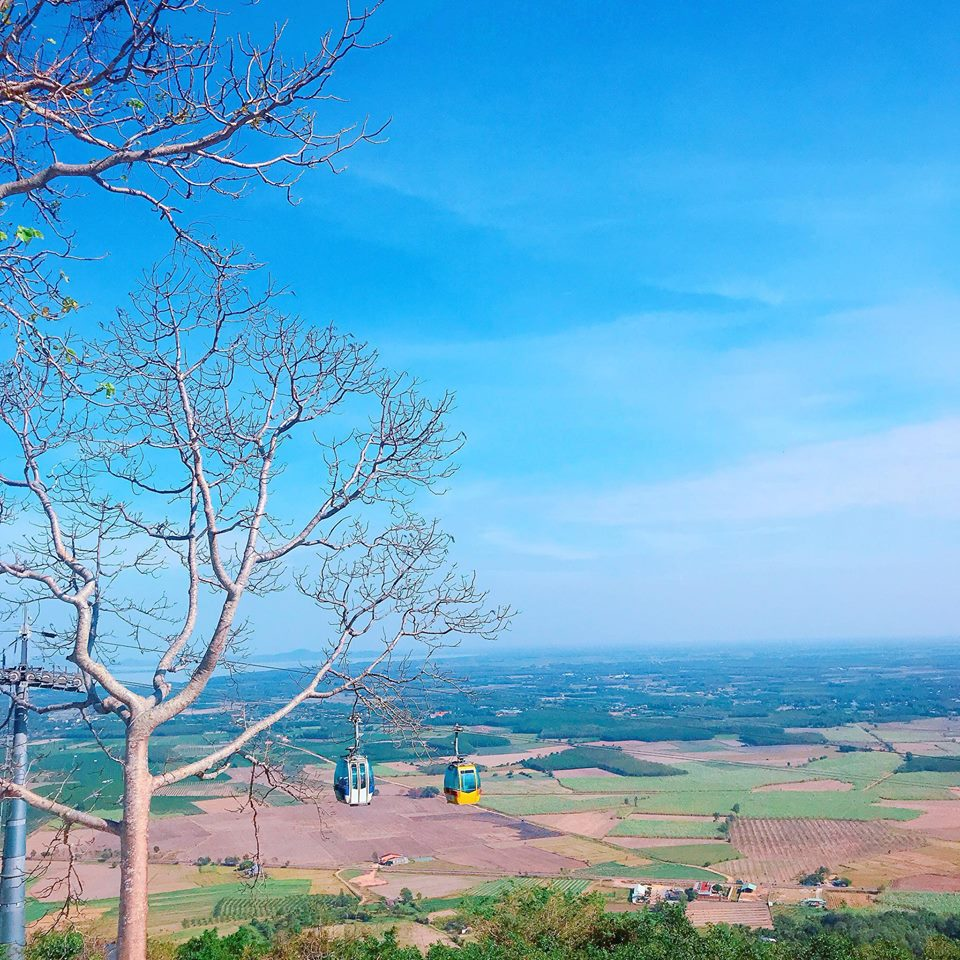 Du lịch miền nam- du lịch miền tây- cảnh đẹp miền tây-Góc nhìn Tây Ninh từ Núi Bà Đen. Ảnh: Nguyễn Duy Tùng