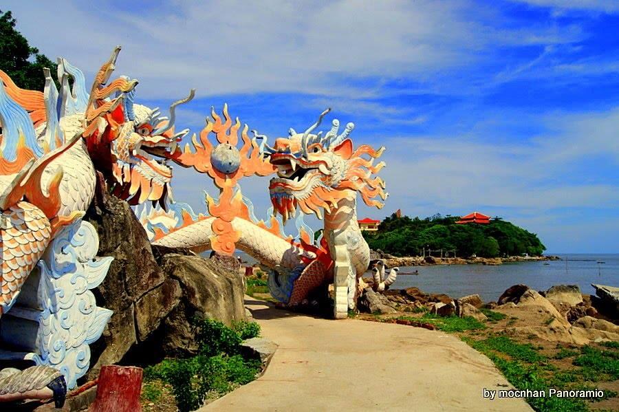 Du lịch miền nam- du lịch miền tây- cảnh đẹp miền tây-Hòn Đá Bạc là địa chỉ nổi tiếng ở Cà Mau. Ảnh: moc nhan