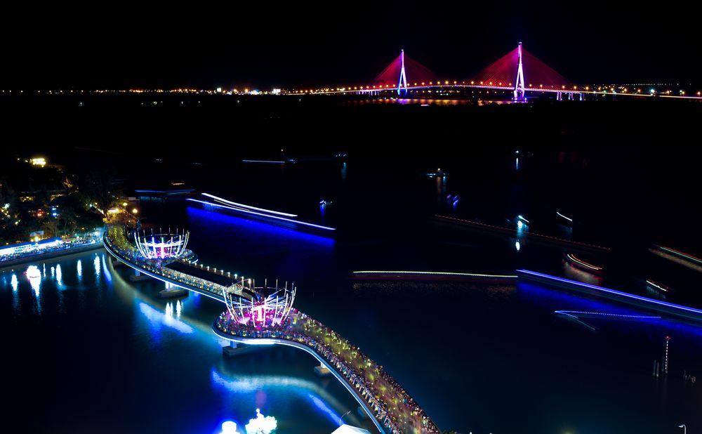 Du lịch miền nam- du lịch miền tây- cảnh đẹp miền tây-Bến Ninh Kiều về đêm- biểu tượng của thành phố Cần Thơ. Ảnh: Nguyễn Xuân Hãn