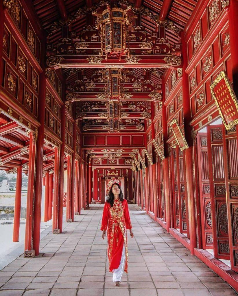 Du lịch miền Trung- Cảnh đẹp miền Trung- điểm đến miền Trung-Nét trang hoàng, lộng lẫy Đại Nội. Ảnh: @nomadicfare