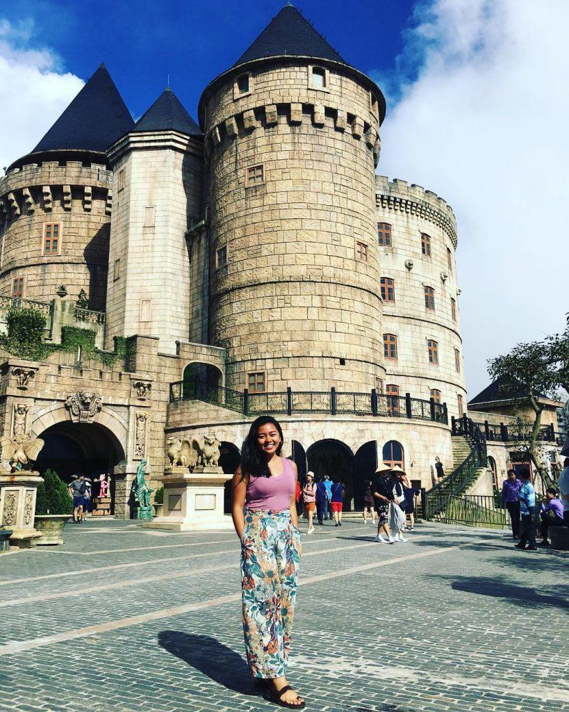 Du lịch Đà Nẵng- điểm du lịch Bà Nà Hills-Khu Làng Pháp thu hút du khách đến trải nghiệm và check-in. Ảnh: @agnessie21
