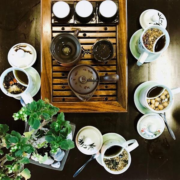 Du lịch Đà Nẵng- điểm du lịch Bà Nà Hills-Đến đây du khách có thể thưởng thức trà đạo và ngắm cảnh. Ảnh: @junvu95