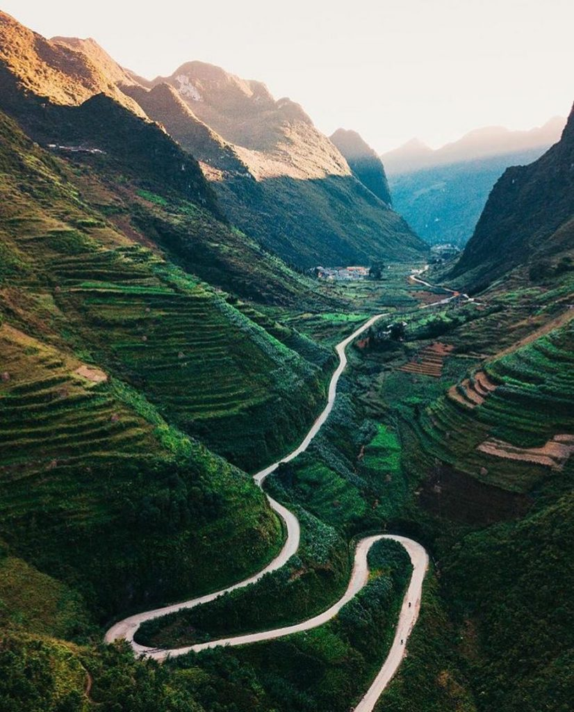Highland travel- Northwest travel- the beauty of Vietnam-The slopes in Ha Giang are quite dangerous but so breathtaking view: @fernandosamalot