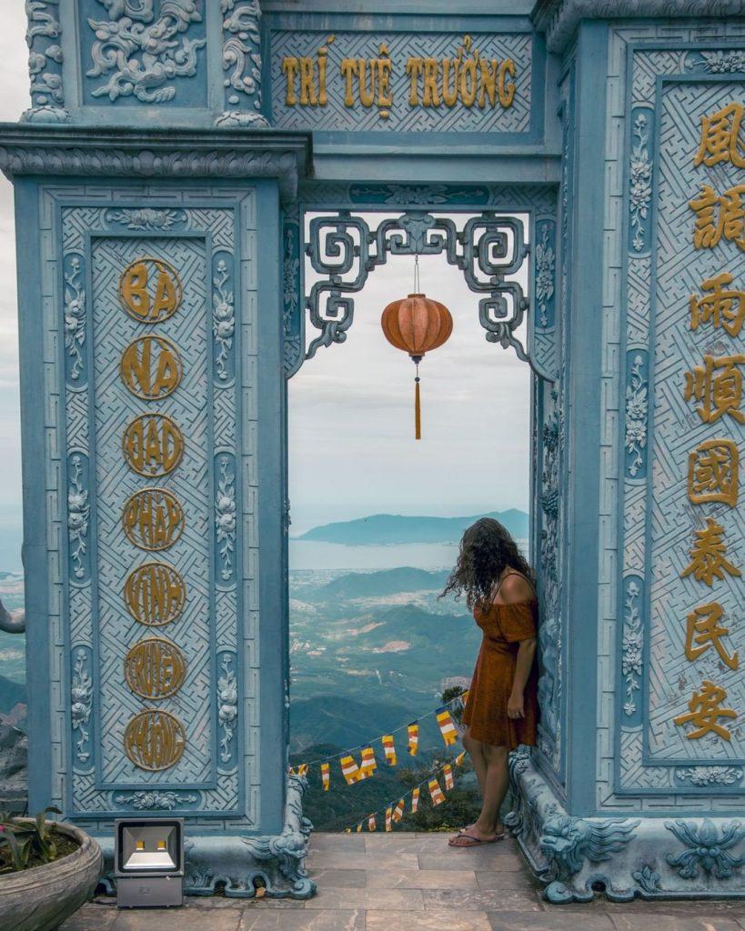 Du lịch Đà Nẵng- điểm du lịch Bà Nà Hills-Chùa Linh Ứng là khu du lịch tâm linh nổi tiếng trong các điểm đến Bà Nà Hills. Ảnh: @epicwanderers