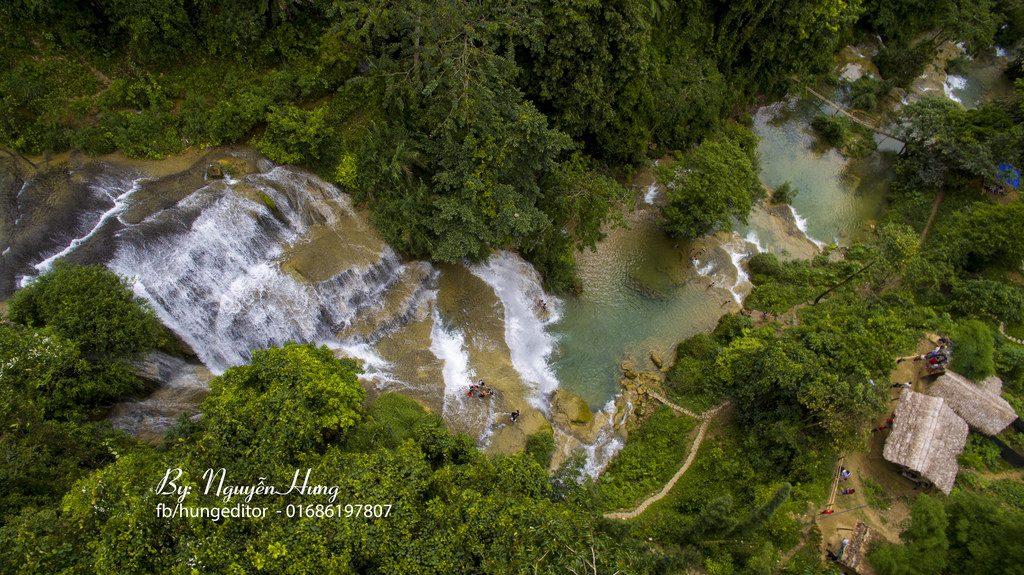 Nhìn từ trên cao Thác Mu hùng vĩ giữa núi rừng. Ảnh: Nguyễn Hưng