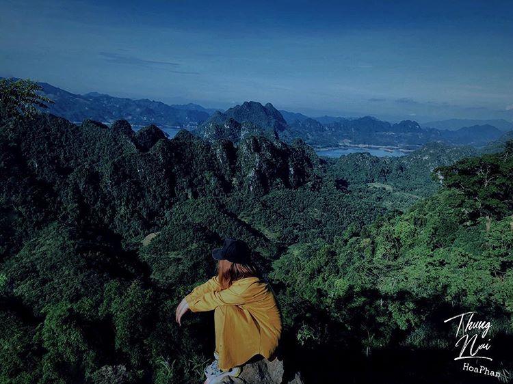 """Du lịch Mai Châu - Cảnh đẹp Mai Châu - Thung Nai được ví như """"Hạ Long trên cạn"""". Ảnh: @bacsiu99"""
