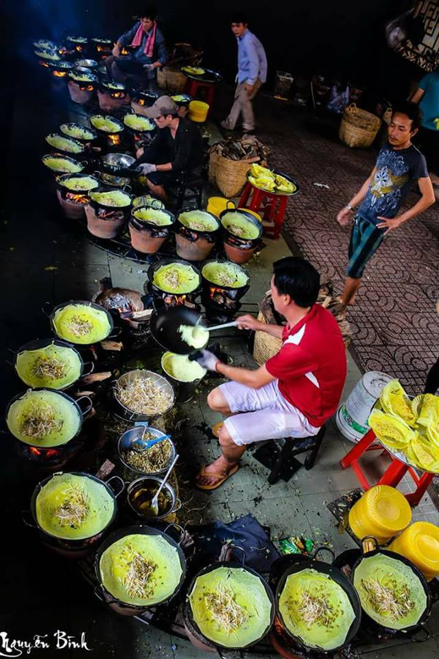 Southern Vietnam- Southern Vietnam travel- beautiful places in southern Vietnam-Banh Xeo- delicious crepe ofVietnam By Nguyễn Bình