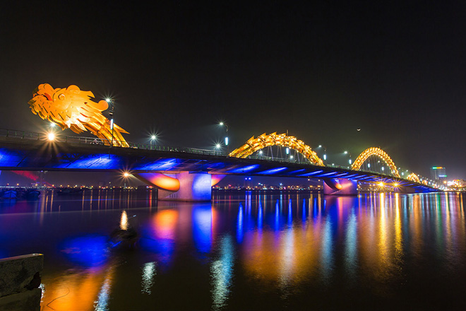 The bridge was designed and built in the shape of a dragon and to breathe fire and water. It is considered as one of the most famous symbol of the Da Nang's tourist city. Photo: DaNang HoiAn