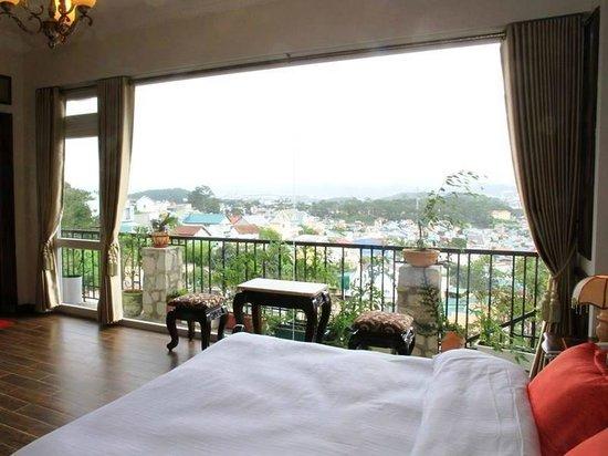 Villa Vista Hotel. Location: 40 Ngô Thỳ Sỹ street,Ward 4, Dalat city. Photo: Collection.