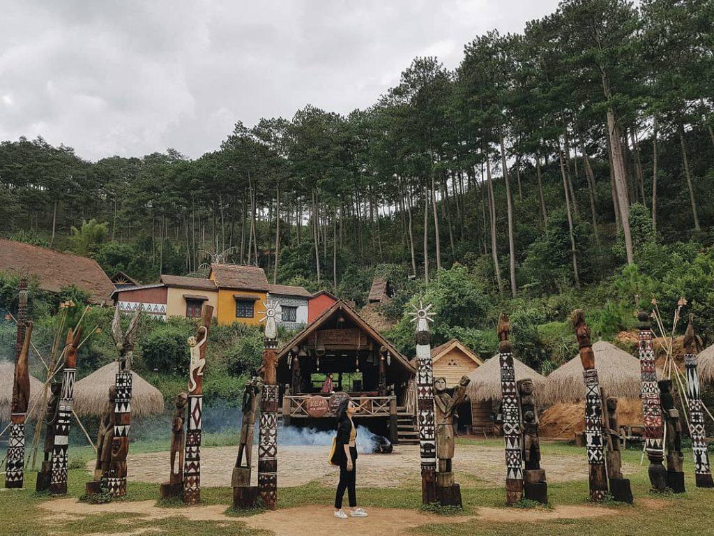 Cu Lan village is so unique in valley. Photo: @4.12.15th Da Lat Travel Guide