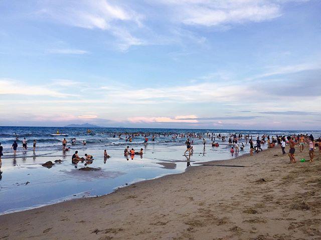 Biển Bắc Mỹ An được đánh giá là một trong những bãi tắm đẹp nhất Việt Nam. Ảnh: @vagabondvacanti