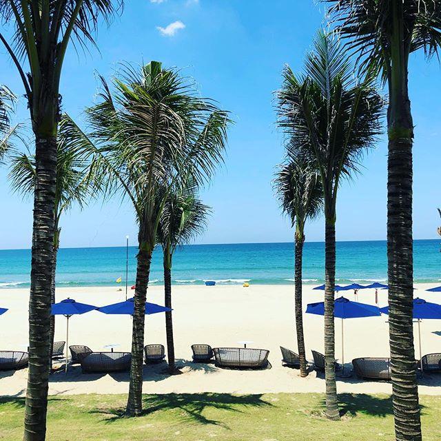 Bãi biển Non Nước với làn nước trong xanh, bãi cát trắng min thu hút nhiều du khách. Ảnh: @norikoo2006