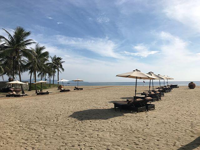 Biển Mỹ Khê 1 trong 6 bãi biển quyến rũ nhất hành tinh. Ảnh: @jakartanguyen