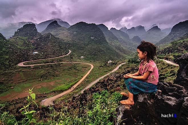 Thung lũng Sủng Là được du khách ưu ái gọi là thung lũng nơi đá nở hoa. Ảnh: Hòa Huy Ngô