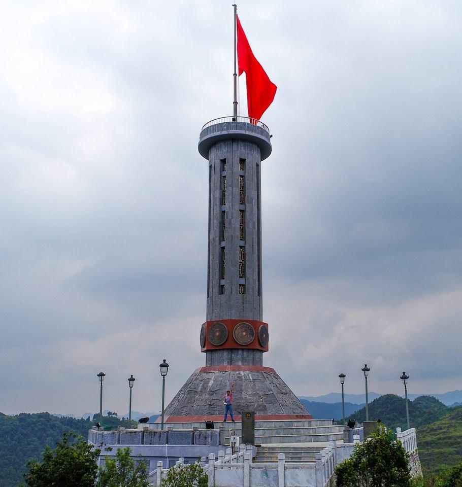 Trải nghiệm được đặt chân đến nơi địa đầu của Tổ quốc sẽ rất thiêng liêng và khó tả. Ảnh: Nguyễn Minh Hoàng