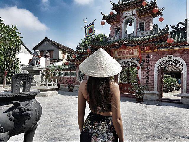 du lịch Hội An - Kinh nghiệm du lịch Hội An - Bí kiếp du lịch Hội An - Hội quán Phước Kiến nơi thờ Bà Thiên Hậu Thánh Mẫu và các vị thần bảo hộ về sông nước, tiền của, con cái.... Ảnh: @cremita_