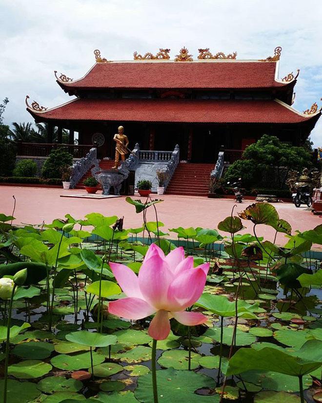 Đến thờ Nguyễn Trung Trực trên đảo Phú Quốc. Ảnh: @baby81188