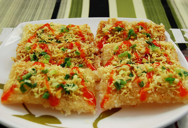 Scorched rice is the same of fried rice, have delicious taste and suitable for all ages. Photo: Collection