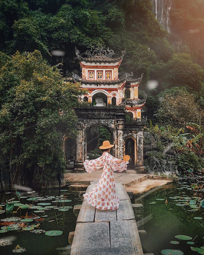 Bich Dong offers fantastic countryside views of Ninh Binh and also is a spiritual spot visitors should not miss. Photo: @lehatruc