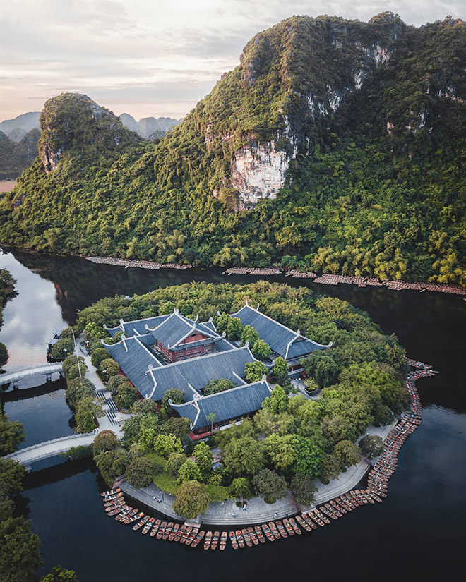 Traveling to Ninh Binh in spring to enjoy cool weather and visiting many beautiful landscape. Photo: @olli_wah