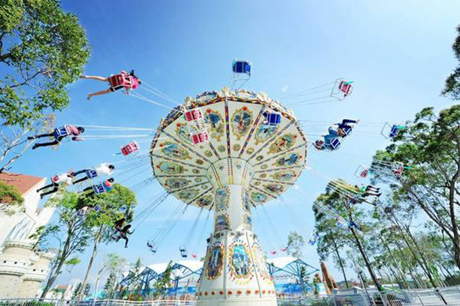 Relaxing in Phu QuocVinpearl Amusement Park. Photo: Vinpearl