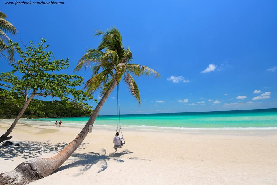 In dry season, Phu Quoc island is so great with fresh air, blue sky and crystal water. Photo: Fb huynhletuan