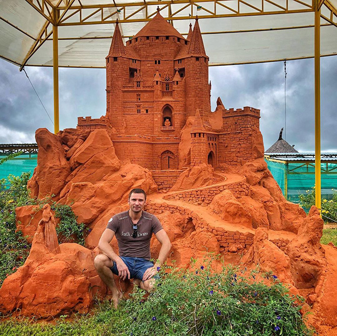 The new sand works of art have been created in Sand Sculpture Park Forgotten Land to serve the demand of visitors. Photo: @vasileknet