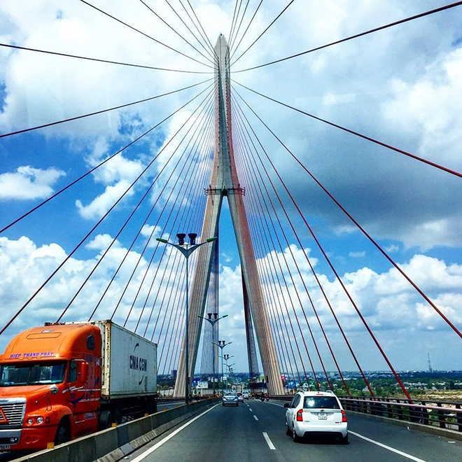 Can Tho bridge is a famous symbol of Can Tho city. Photo: @foodycantho