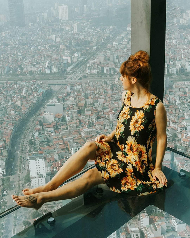 At Lotte Observation Deck, visitors can see all the city. Photo: @globusliebe