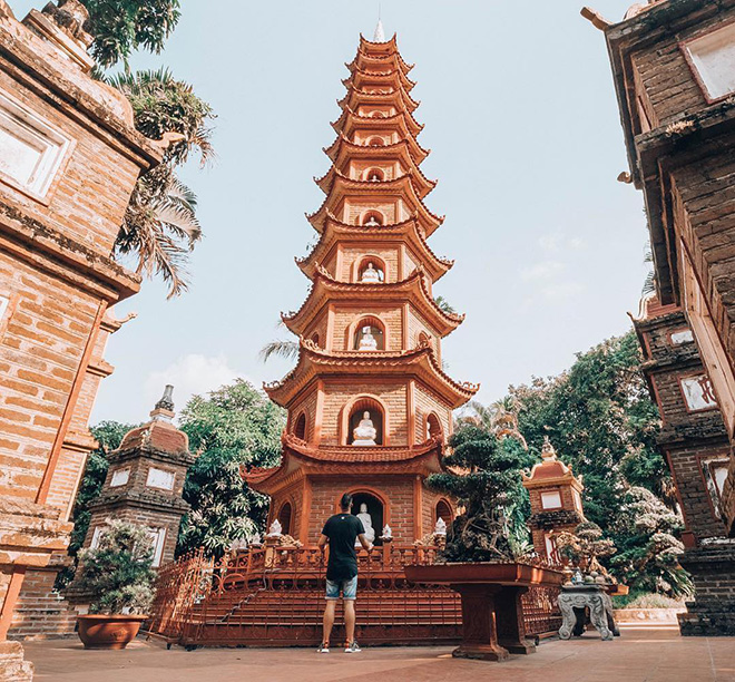 Thanks to these historical and architectural values, Tran Quoc Pagoda attracts many tourists to pay a visit. Photo: @packyourbags.nl