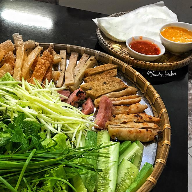 Nem Ninh Hòa một đặc sản vô cùng hấp dẫn ở Nha Trang. Ảnh: @foodie.bitches