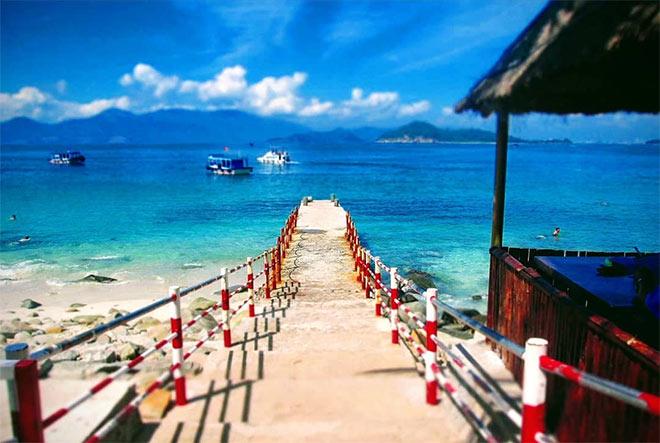 Đảo Điệp Sơn thơ mộng giữa biển và trời. Ảnh: @anh_thu_at
