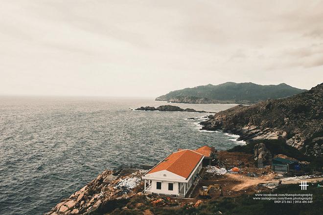 Đảo Bình Hưng được ví như một viên ngọc chưa được mài dũa của ngành du lịch biển Việt Nam. Ảnh: themphotography
