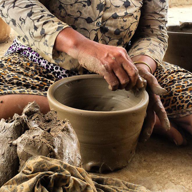 Đến với làng gốm Bầu Trúc để cùng chiêm ngưỡng các tác phẩm gốm xứ được tạo ra từ các bàn tay nghệ nhân. Ảnh: @patrickgoal 2