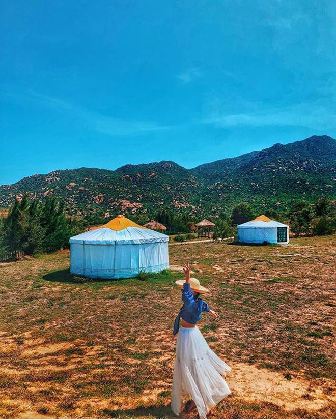 Những ngôi Trại mông cổ vô cùng độc đáo tại khu du lịch Tanyoli. Ảnh: @zoe_taaha