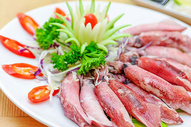 Squid is the dish you should enjoy when travelling Nam Du island. Collection