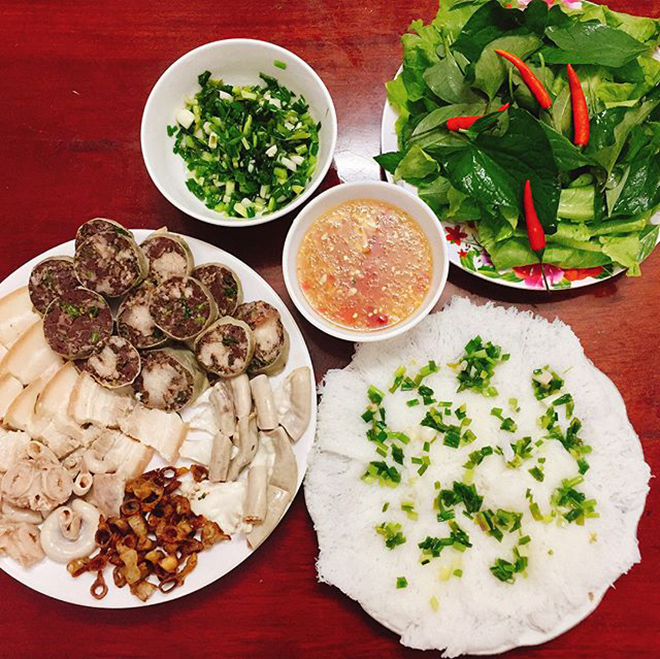 Banh hoi long heo is the dish you should not miss when travelling to Ninh Thuan. Photo: @_kay1221