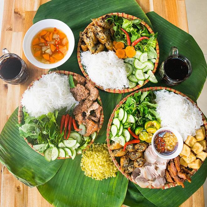 Bun Dau Mam Tom- Quy Nhon travel guide. Photo : @foodyquynhon