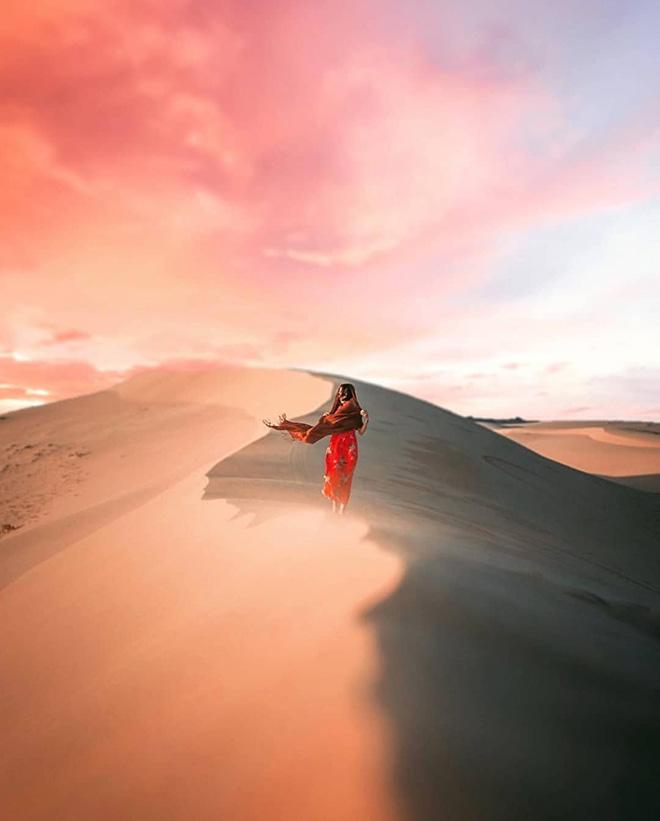 Đồi cát Mũi Né luôn tạo ra nhiều tác phẩm nghệ thuật du lịch độc đáo. Ảnh: @@everdreamwandering