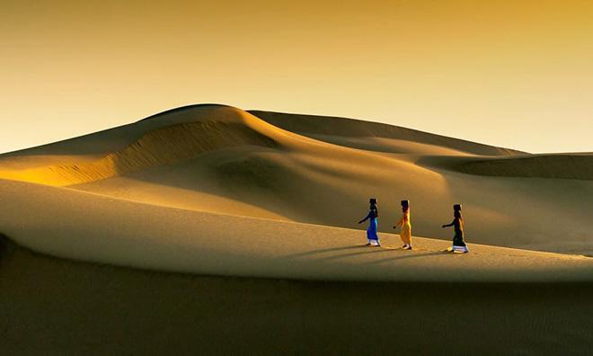 Bình Thuận nổi tiếng với những bãi cát trắng dài như những sa mạc nhỏ. Ảnh: Bình Thuận Quê Tôi