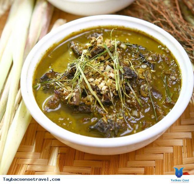 Không phải vị khách nào khi du lịch đến Mộc Châu cũng đủ dũng cảm để thưởng thức món ăn này, tuy nhiên đây lại là món ăn yêu thích của người dân vùng cao. Ảnh: Sưu tầm